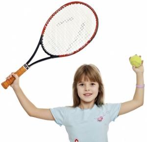 girl-playing-tennis
