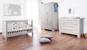 mobilier-dans-la-chambre-enfant